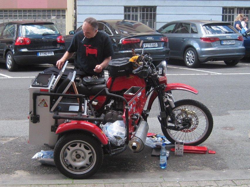 Dreiradler • Thema anzeigen - Abstellplatz Auto mit Hänger an ...